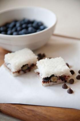 FeedZonePortables_webres_BlueberryChocolateCoconut_RiceCakes-280x421